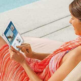 TUI BLUE Newsletter Bestellung Frau