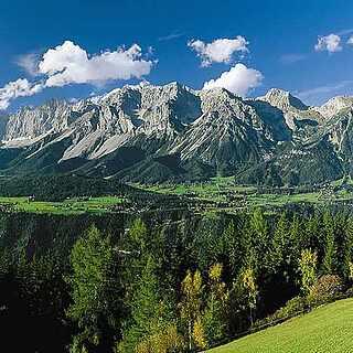Aussicht über Berge Schladming, Österreich
