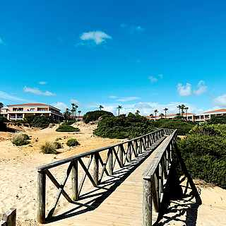 Weißer Sandstrand in Cadiz in Spanien